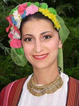 Българска народна певица Радостина Йовкова